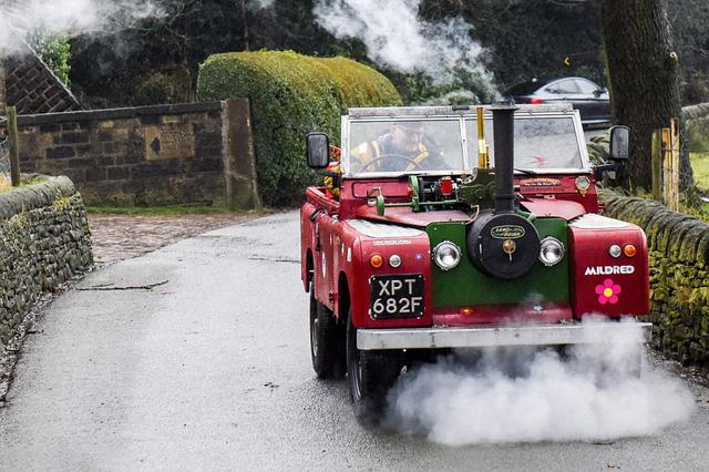 Chiếc Land Rover dành cho người hoài niệm: Trái tim là động cơ hơi nước, nhìn khủng khiếp nhưng tốc độ khéo còn thua xe đạp - Ảnh 3.
