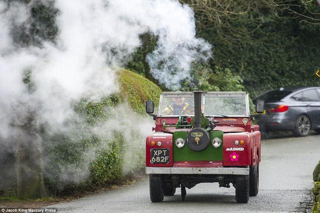 Chiếc Land Rover dành cho người hoài niệm: Trái tim là động cơ hơi nước, nhìn khủng khiếp nhưng tốc độ khéo còn thua xe đạp - Ảnh 4.