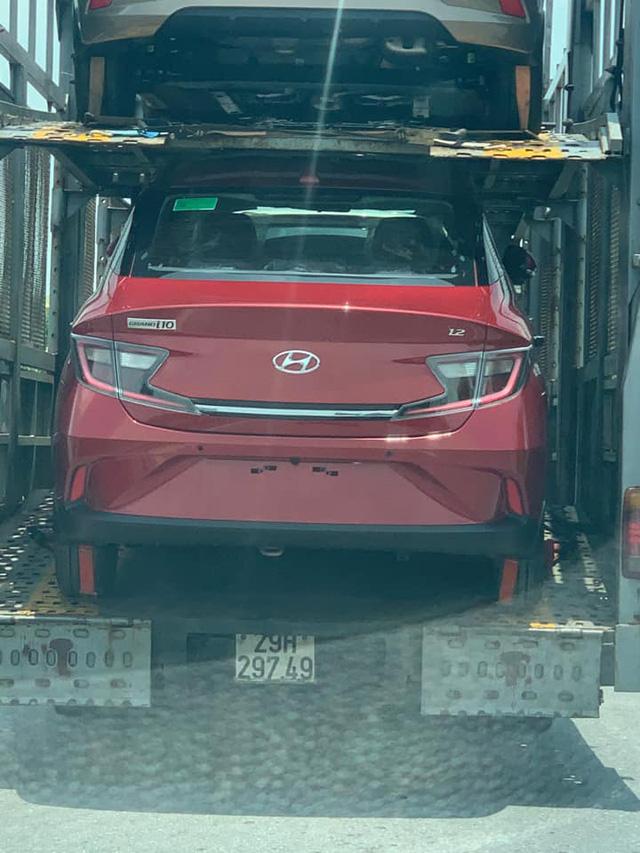 Hyundai Grand i10 2021 vận chuyển về đại lý - Đối thủ đe dọa vua phân khúc VinFast Fadil - Ảnh 2.