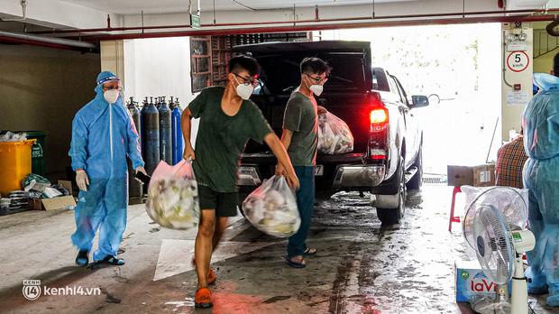 Chuyện cư dân chung cư ở Sài Gòn nấu hàng trăm suất ăn mỗi ngày tiếp sức các Bệnh viện dã chiến: Những người tham gia phải có xét nghiệm âm tính - Ảnh 22.
