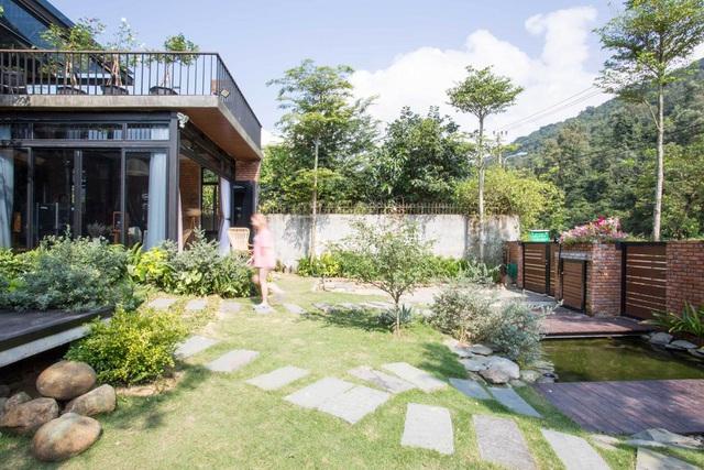Chơi với nhau khi thanh xuân, đôi bạn thân Đà Nẵng quyết định mua đất xây 2 căn biệt thự cạnh nhau để sống đến cuối đời - Ảnh 3.
