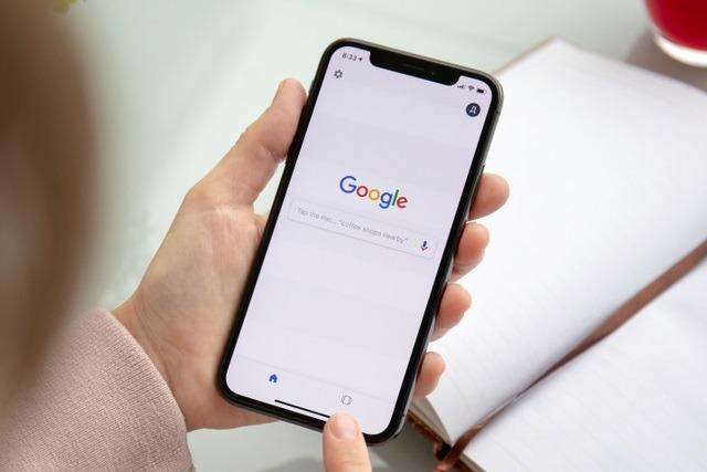 Khó như chơi với Apple: Nhờ vả sương sương nhưng Google vẫn phải trả đều đặn 15-20 tỷ USD mỗi năm - Ảnh 1.