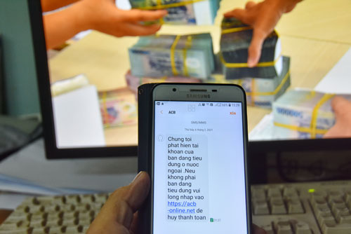 Vạch trần 6 chiêu lừa đảo chiếm đoạt tiền trong tài khoản ngân hàng - Ảnh 1.