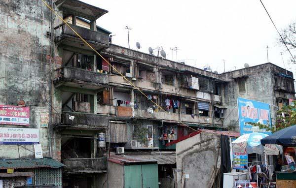 Mua chung cư cũ chờ cải tạo: Người mua cần tỉnh táo - Ảnh 1.