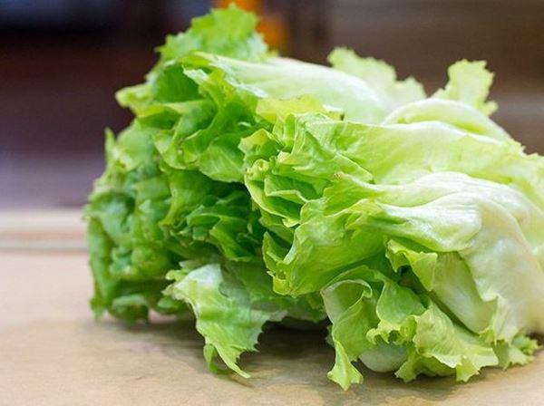 Loại rau dân dã ở Việt Nam, ăn không hết chẳng ngại vứt luôn nhưng sang Nhật có giá 1 triệu đồng/lạng - Ảnh 1.
