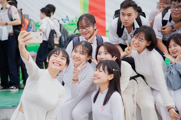 CHÍNH THỨC: Học sinh TP.HCM được miễn học phí học kỳ I năm học 2021 - 2022 - Ảnh 1.