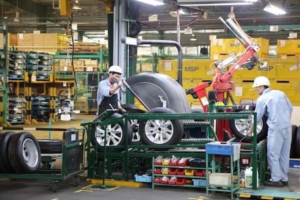 Ngành công nghiệp ô tô hưởng lợi từ chính sách thuế - Ảnh 1.
