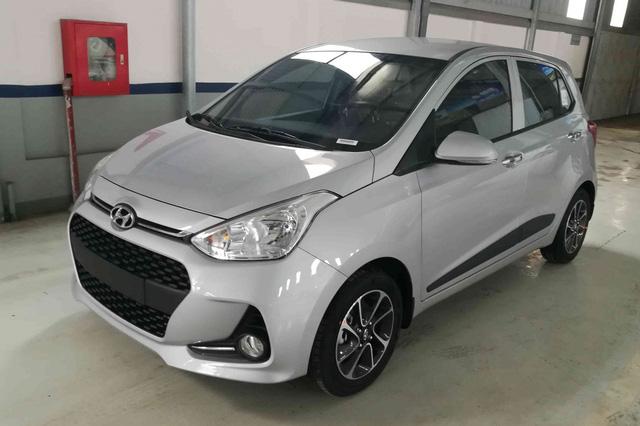 Hyundai Grand i10 2021 ồ ạt về đại lý với giá dự kiến tăng cao, mẫu cũ dọn kho giảm giá mạnh còn dưới 300 triệu đồng - Ảnh 2.