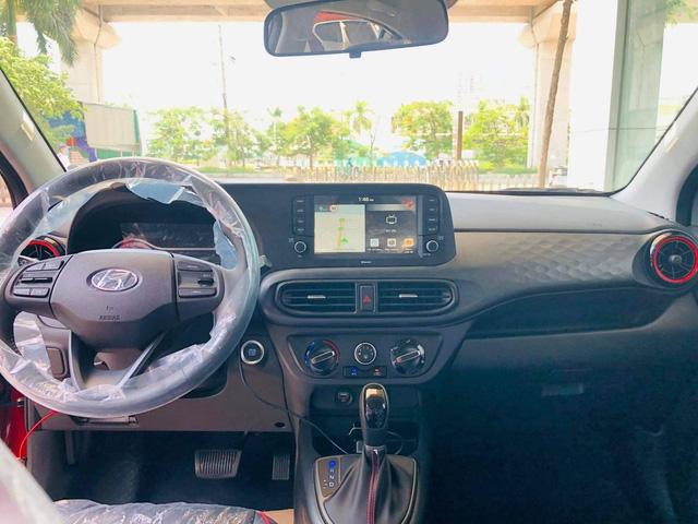 Hyundai Grand i10 2021 ồ ạt về đại lý với giá dự kiến tăng cao, mẫu cũ dọn kho giảm giá mạnh còn dưới 300 triệu đồng - Ảnh 6.