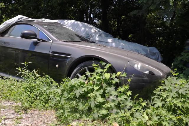 Xót xa toàn siêu xe, xe siêu sang tại nghĩa địa ô tô Trung Quốc: Rolls-Royce, Porsche, Corvette vứt cả đống, từ từ mục nát - Ảnh 4.