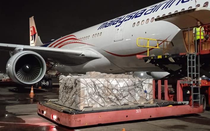 Lô Remdesivir điều trị Covid-19 đầu tiên Vingroup nhập khẩu đã về tới Thành phố Hồ Chí Minh