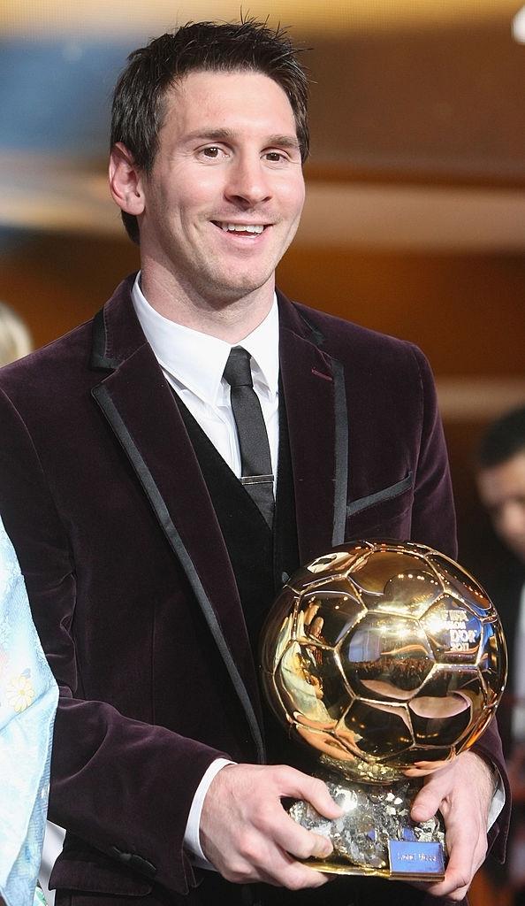 Toàn bộ sự nghiệp vĩ đại của Messi tại Barcelona qua ảnh - Ảnh 17.
