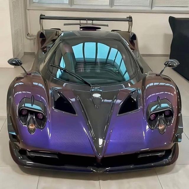 Đại gia cuồng Pagani: Tậu 7 chiếc, nhìn bộ sưu tập có thêm Bugatti, Lamborghini, Ferrari mà vừa mê vừa hoảng  - Ảnh 3.