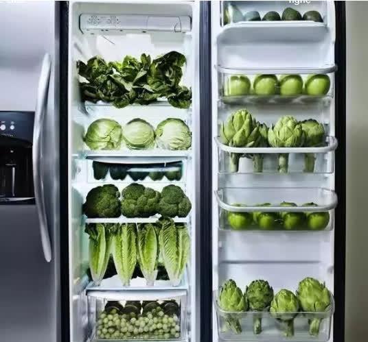 SAI LẦM khi để rau trực tiếp vào tủ lạnh: Mách bạn mẹo nhỏ để có thể bảo quản rau lâu dài mà vẫn luôn tươi ngon, cực kỳ cần thiết trong mùa dịch này - Ảnh 1.