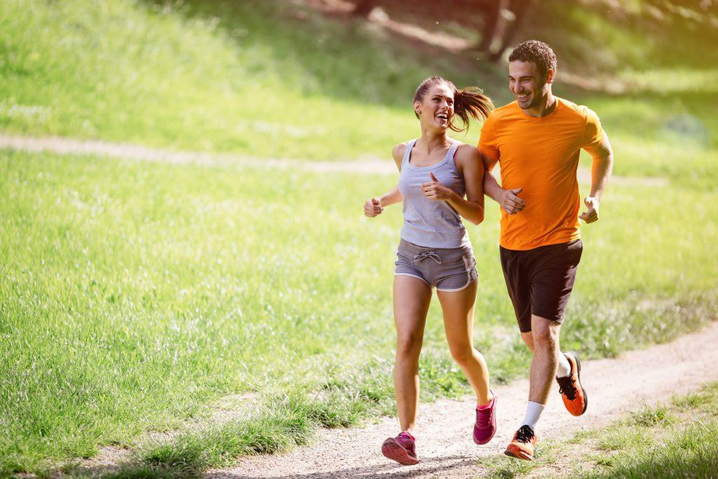 4 cách tăng cường sức đề kháng, hạn chế ốm vặt, mệt mỏi vào lúc giao mùa: Dinh dưỡng đầy đủ, sinh hoạt điều độ là chìa khóa của sức khỏe - Ảnh 2.