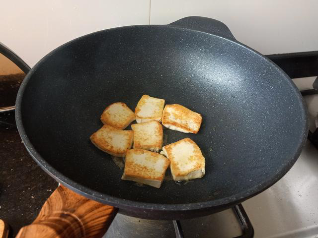 Những thói quen nấu ăn tại nhà độc khủng khiếp mà các bà nội trợ Việt cần bỏ trước khi ung thư tìm đến - Ảnh 3.