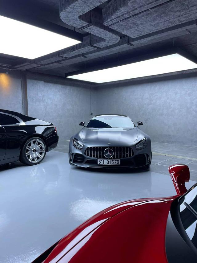 Minh Nhựa gạ đổi Aston Martin V8 Vantage lấy Mẹc GT R, Nguyễn Quốc Cường chốt đáp lời: Cậu muốn là được hết - Ảnh 3.