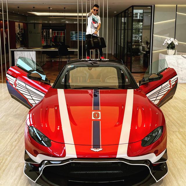 Minh Nhựa gạ đổi Aston Martin V8 Vantage lấy Mẹc GT R, Nguyễn Quốc Cường chốt đáp lời: Cậu muốn là được hết - Ảnh 5.