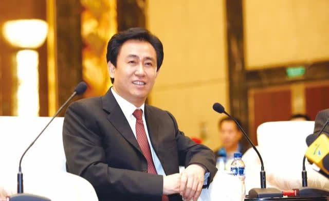Ông trùm BĐS nổi tiếng Trung Quốc: Từ chức giám đốc để làm sale, khởi nghiệp 3 lần mới gây tiếng vang, trở thành người đàn ông giàu nhất nhì đất nước tỷ dân  - Ảnh 1.