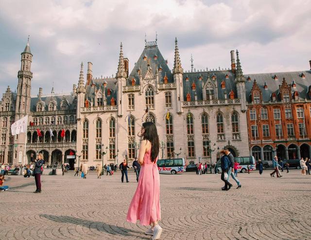 Một vòng khám phá Brugge, Bỉ trước Covid-19: Thành phố đẹp như tranh, những con kênh thơ mộng uốn quanh những toà nhà cổ kính - Ảnh 5.
