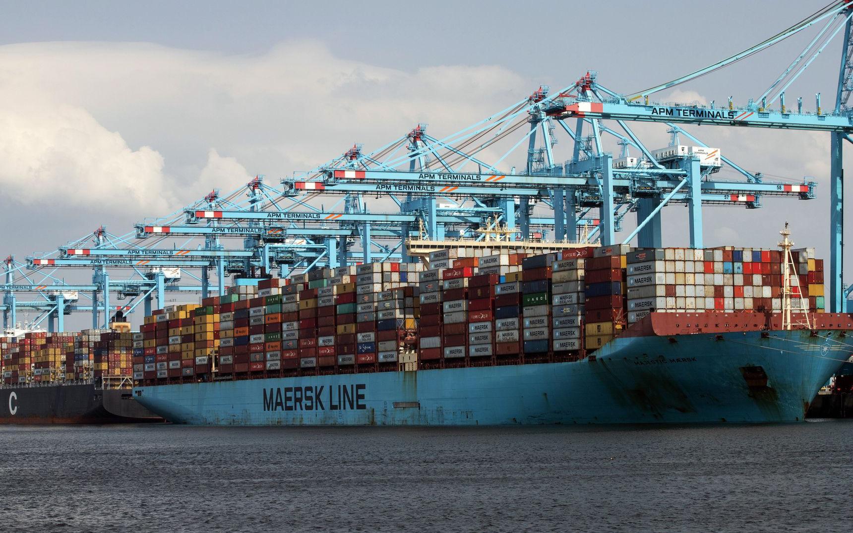 Cơn bĩ cực của ngành vận tải biển: Cả thế giới gánh chịu hậu quả sau nhiều năm 'tinh gọn' hệ thống, các hãng lớn nắm thế kiểm soát, mặc sức 'hét giá'