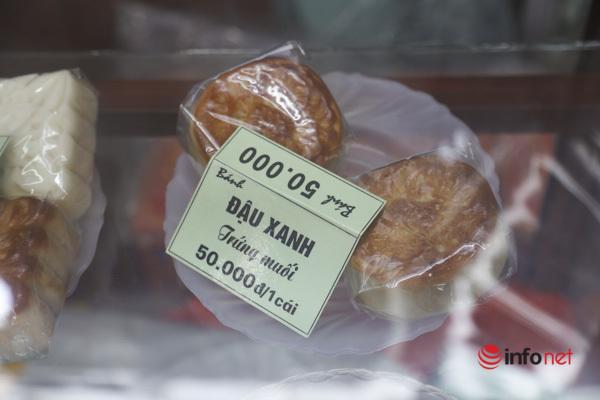 Thị trường bánh Trung thu Hà Nội, nơi xếp hàng dài chờ mua, nơi lại vắng khách - Ảnh 9.