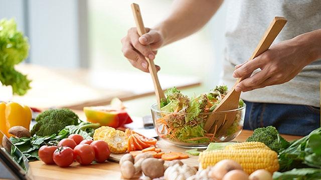3 dấu hiệu cho thấy đường huyết tăng cao sau khi ăn: Ghi nhớ nguyên tắc sống lành mạnh để cứu sức khỏe của chính mình - Ảnh 2.