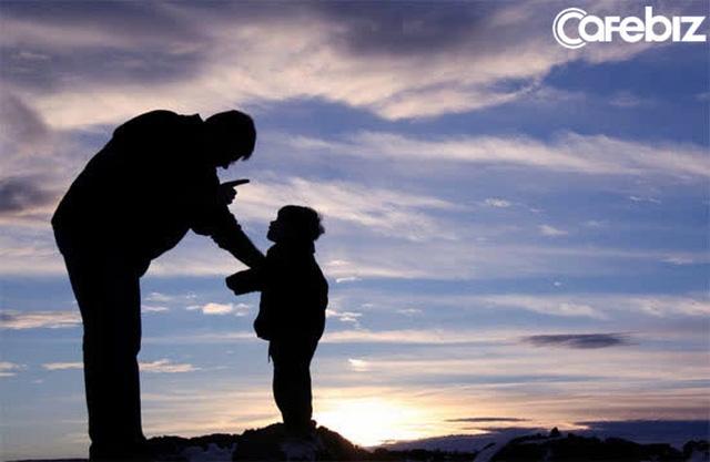 Muốn con bạn sau này không sa cơ lỡ vận, có 4 tính cách ở trẻ nhất định phải loại trừ! - Ảnh 1.