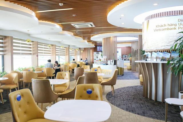 Là khách hàng VIP của Vietcombank như Thuỷ Tiên sẽ được hưởng đặc quyền gì? Điều kiện trở thành VIP như thế nào? - Ảnh 3.