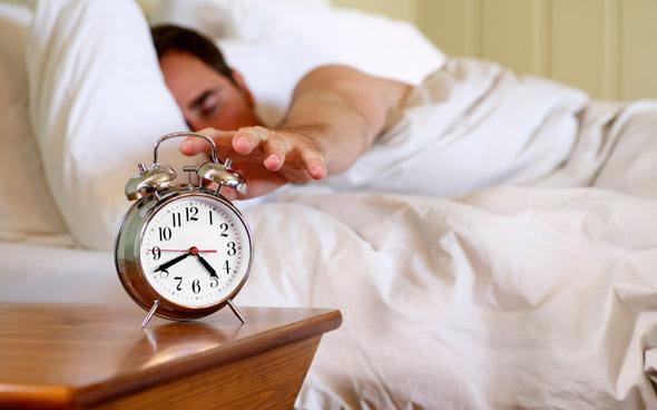 Tại sao 1 giờ đồng hồ sau khi thức dậy là 'giờ vàng' trong ngày? Có 3 việc sau khi thức dậy cần tránh làm ngay để tinh thần luôn tỉnh táo và tăng năng suất làm việc