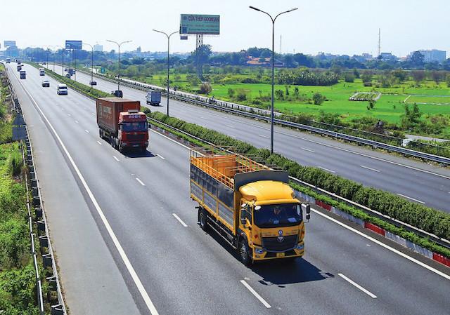 Việt Nam cần 900.000 tỷ đồng để đầu tư cho mạng lưới đường bộ - Ảnh 1.