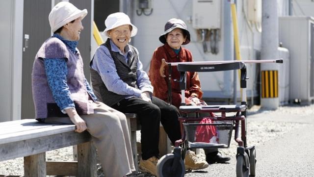 Thói quen mua thực phẩm giúp số người 100 tuổi ở Nhật Bản ngày càng nhiều - Ảnh 1.