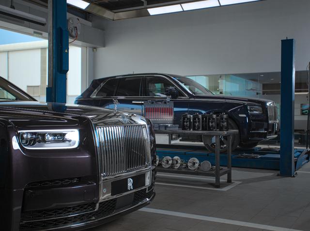 Rolls-Royce công bố phí bảo dưỡng tại Việt Nam: 1 lần/năm, giá từ 120,5 triệu đồng  - Ảnh 2.