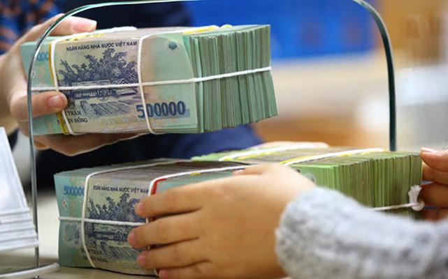 Trong 1 tháng, gần 25.000 tỷ đồng tiền gửi rút khỏi hệ thống ngân hàng