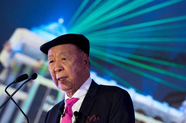 Tỷ phú sòng bài Macau tổn thất trăm triệu USD vì lo ngại quy định thắt chặt mới - Ảnh 1.