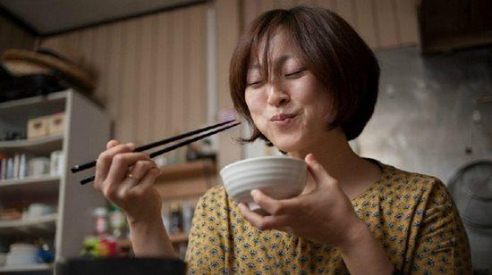 Nhật Bản có tỉ lệ mắc ung thư cực thấp: 2 thứ mà người Nhật không bao giờ động đến, người Việt lại ăn thật nhiều - Ảnh 1.