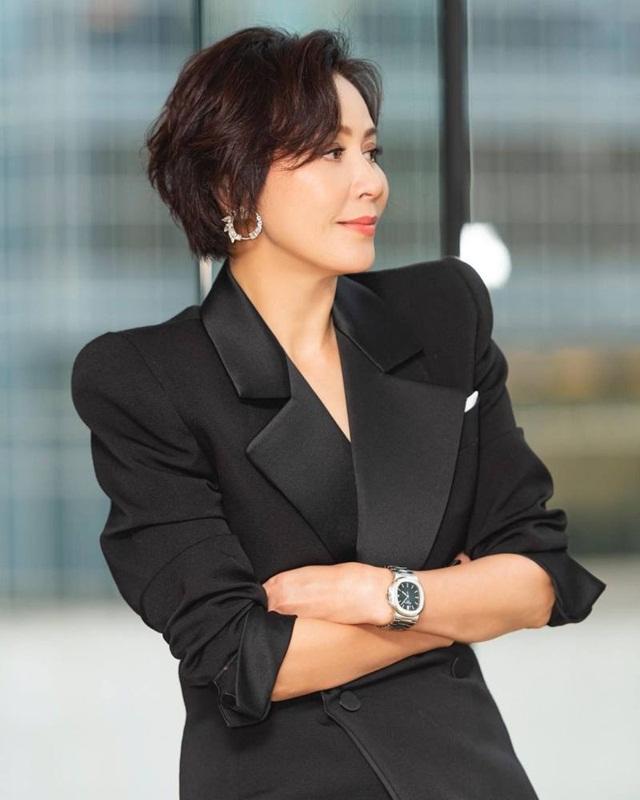 Ngôi sao Hong Kong khiến giới doanh nhân ngưỡng mộ vì thú chơi kim cương và đồng hồ Rolex - Ảnh 5.