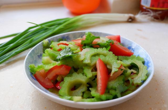 Người có dạ dày kém nên ăn 5 loại rau quả này càng ít càng tốt - Ảnh 2.