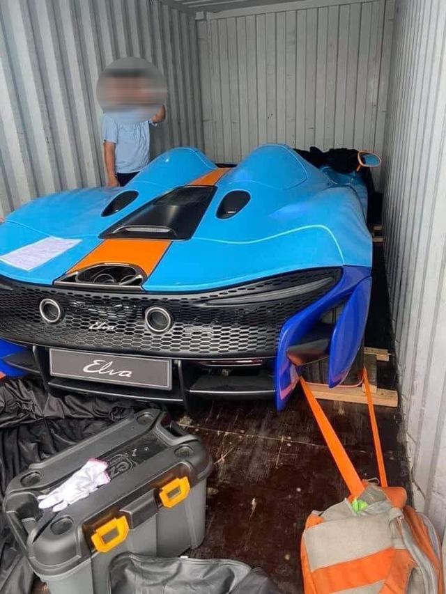 Khui công siêu phẩm trăm tỷ McLaren Elva tại Việt Nam: Xe được bảo vệ nghiêm ngặt, một chi tiết khó hiểu gây thắc mắc  - Ảnh 1.