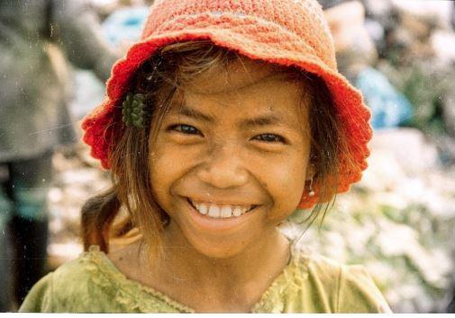 Ngày nào còn đi nhặt rác, giờ cô bé này có cuộc sống khiến ai cũng ghen tị: Tri thức đúng là con đường ngắn nhất đến thành công! - Ảnh 4.