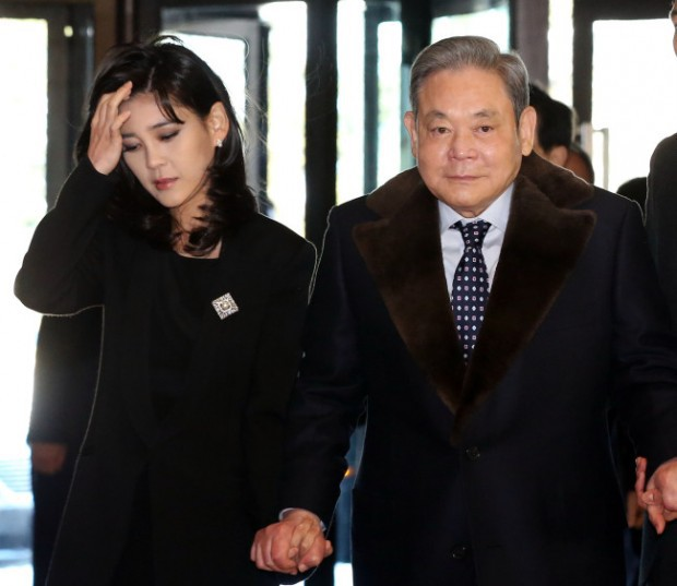 """Công chúa Huawei và công chúa Samsung: Sự trùng hợp kỳ lạ trong số phận của 2 """"nữ cường nhân"""" đế chế công nghệ hàng đầu châu Á - Ảnh 1."""