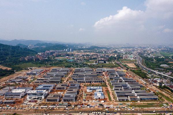 Trung Quốc xây khu cách ly 5.000 phòng cho người nhập cảnh, đẩy chiến lược zero-Covid lên đỉnh của chóp - Ảnh 2.