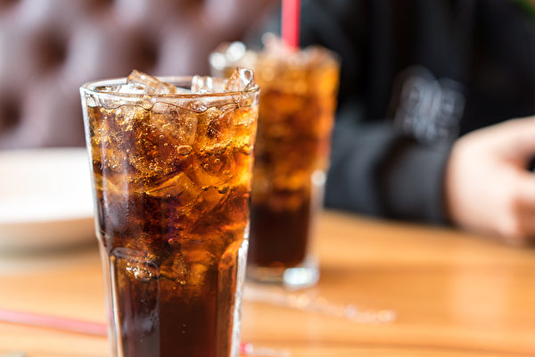 Nghiên cứu của đại học Harvard: Uống 3 loại nước này thường xuyên làm tăng 26% nguy cơ mắc bệnh tiểu đường, loại thứ 3 không ai ngờ tới - Ảnh 1.