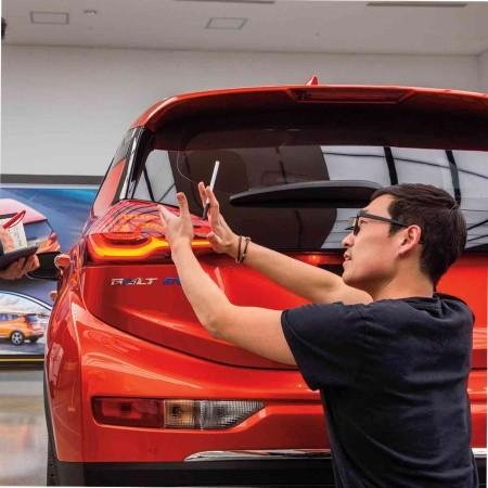 Chàng trai Hàn Quốc chấp bút xe VinFast vừa đăng ký bản quyền: Nhà thiết kế của GM, từng được Hyundai đổ tiền làm concept siêu dị - Ảnh 1.