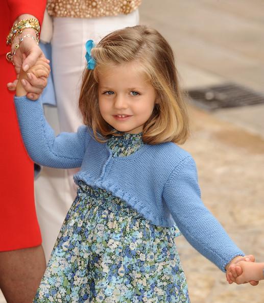 Nàng công chúa HOT nhất hiện nay: 15 tuổi đã nắm trong tay vận mệnh của đất nước, đánh bại con gái nhà Công nương Kate - Ảnh 2.