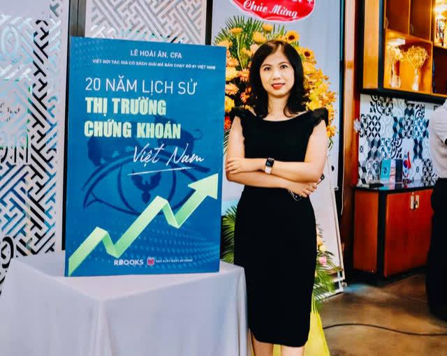 Nữ giám đốc ngân hàng bỏ việc ở tuổi 32 để theo đuổi đam mê làm sách tài chính và lối sống tối giản - Ảnh 2.
