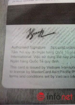 Chữ ký mẫu in trên thẻ của khách hàng