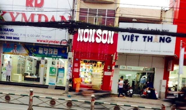Một cửa hàng Nón Sơn tại đường Quang Trung, Gò Vấp.