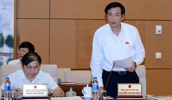 Tổng thư ký Quốc hội Nguyễn Hạnh Phúc phát biểu thảo luận tại phiên họp.