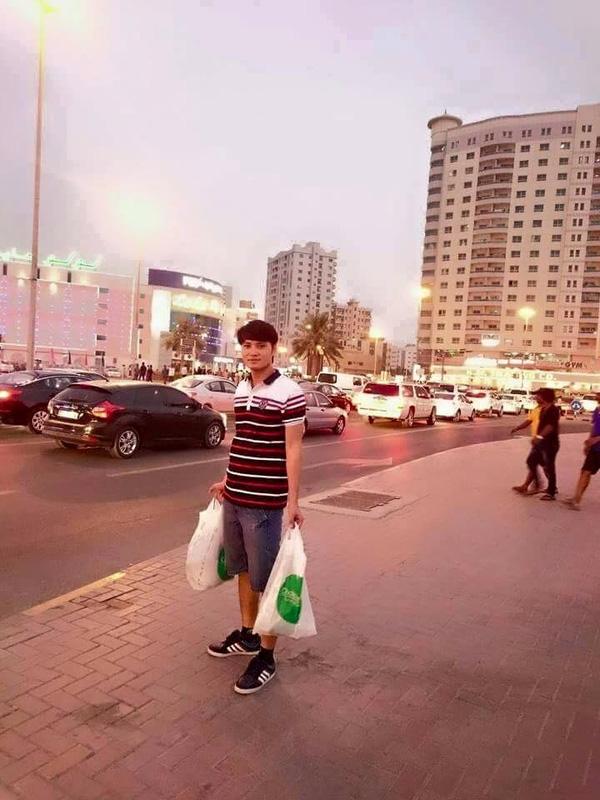 Đường phố tại đây rất sạch sẽ, chính quyền giữ gìn hình ảnh Dubai đúng phong cách sang trọng, hiện đại, xa hoa.